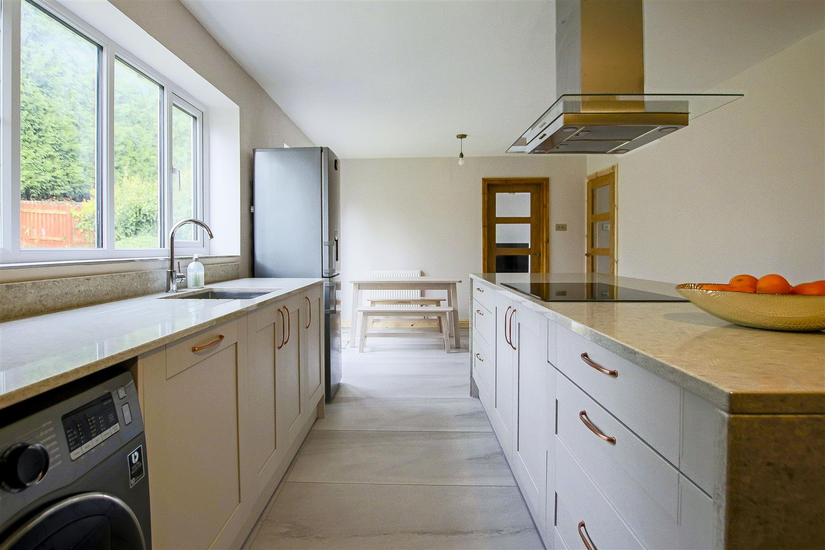 5 Bedroom Detached House For Sale - 34.jpg
